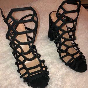 Super cute strappy black heels!